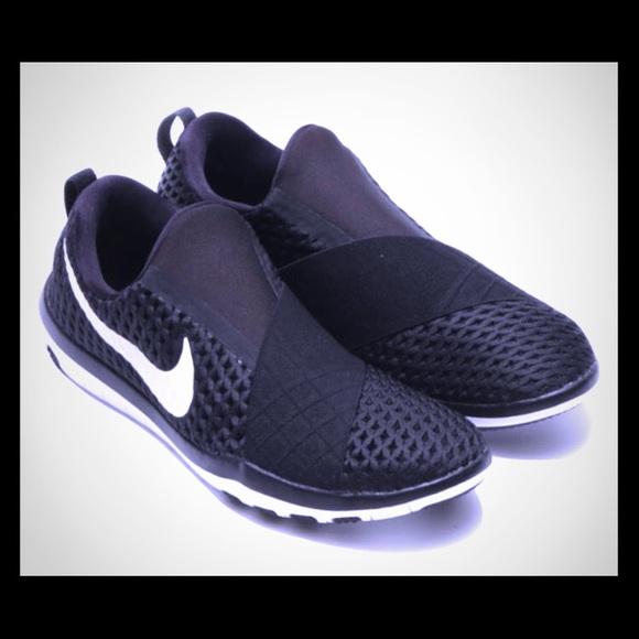 Nike Womens Free Connect Low Top Slip On Running Sneaker